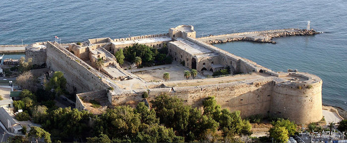 vue aérienne du château de Kyrenia à Chypre; source photo: welcometonorthcyprus.co.uk/gallery (photo 157)